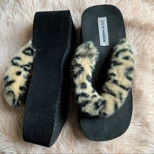 Platform Steve Madden leopards faux fur flip flops